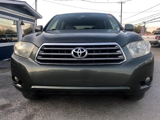 more details - toyota highlander